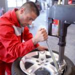 Reifen-Montage 15 Zoll, je Stück, Leistungen und Bedingungen lt. Detailinformationen - Nur gültig in Verbindung mit einem Reifenkauf auf www.atu.de!